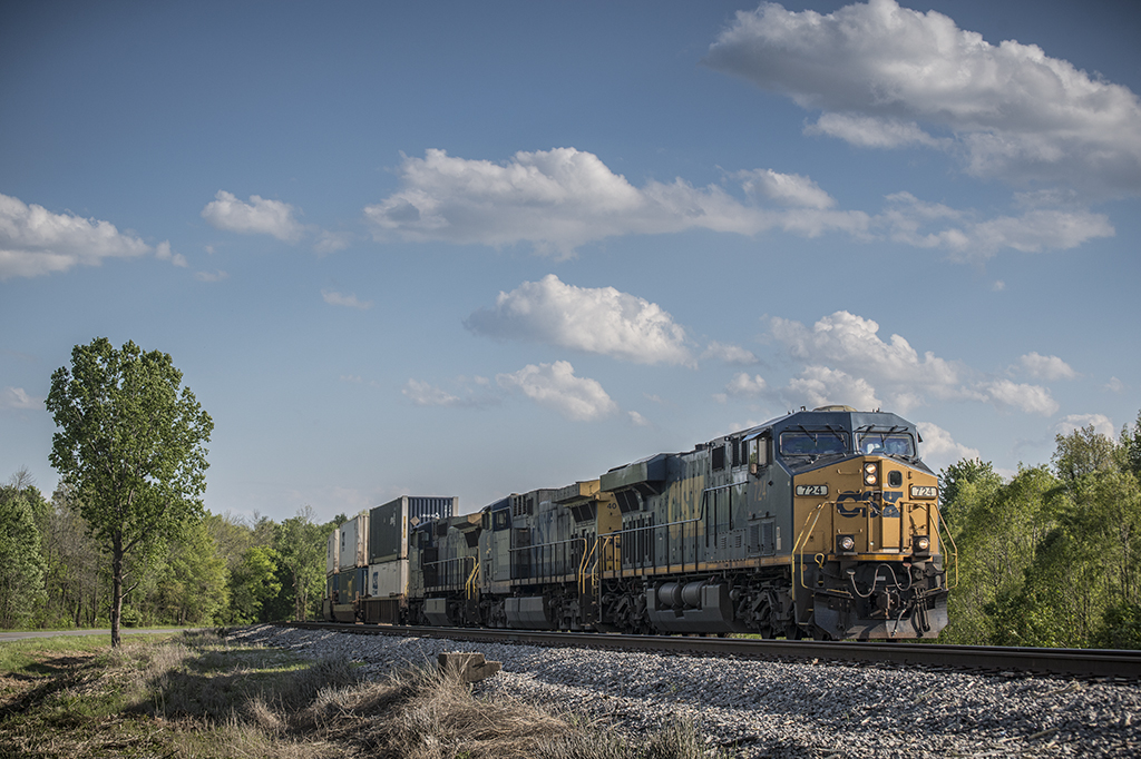 04.30.15 CSX Q026-24 NB at Romney, Nortonville, Ky