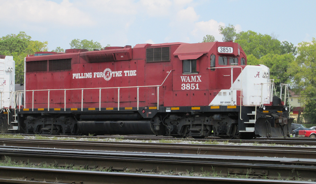 "Game Day in T-Town College football fans in Tuscaloosa aren't the only ones ""Pulling For The Tide"" during the Wisconsin-Alabama game on 05-Sep-2015. One of two GP35R units for WATCO's Alabama Southern in Tuscaloosa fly the colors while switching the former ICG yard. - Chris Dees"